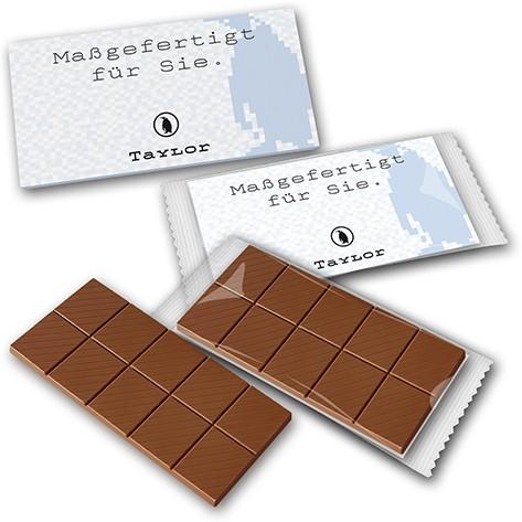 Schokoladentafel auf bedruckter Karte